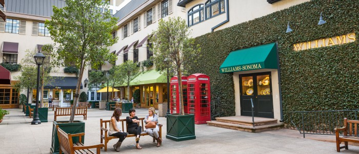 Shops on South Lake Courtyard Photo by Jamie Pham